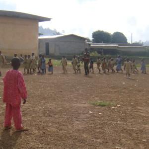 cour de l'école et aire de jeux